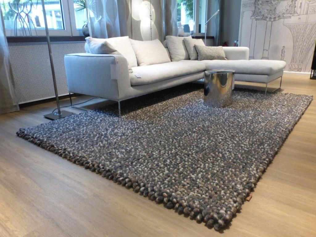 Der Steingraue Stone Teppich Ist Aus Reiner Schurwolle Und von Teppich Wohnzimmer 200X300 Bild