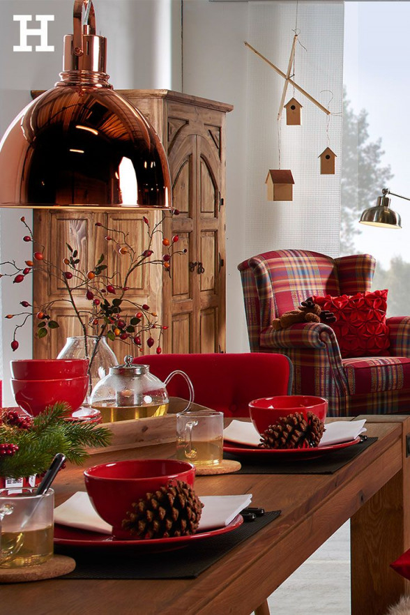 Der Weihnachtstisch Ist Gedeckt  Es Kann Losgehen Geschirr von Deko Rot Wohnzimmer Photo