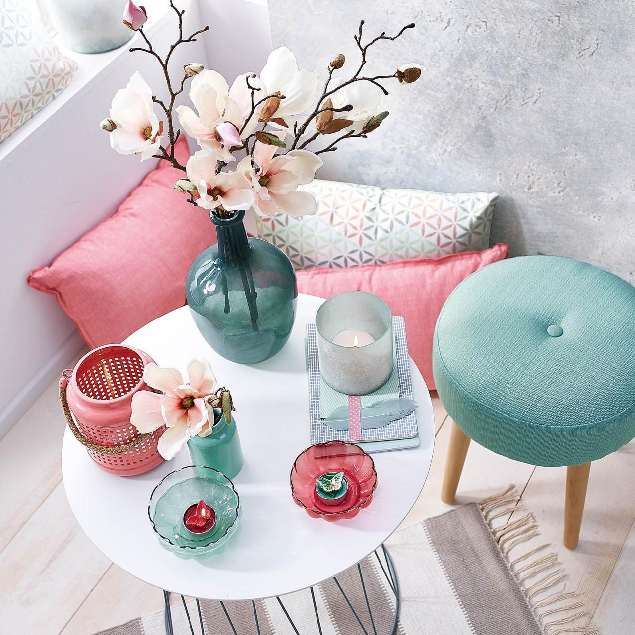 Die Farbenkombination Mint  Pink Ist Perfekt Für Den von Wohnzimmer Deko Pink Bild