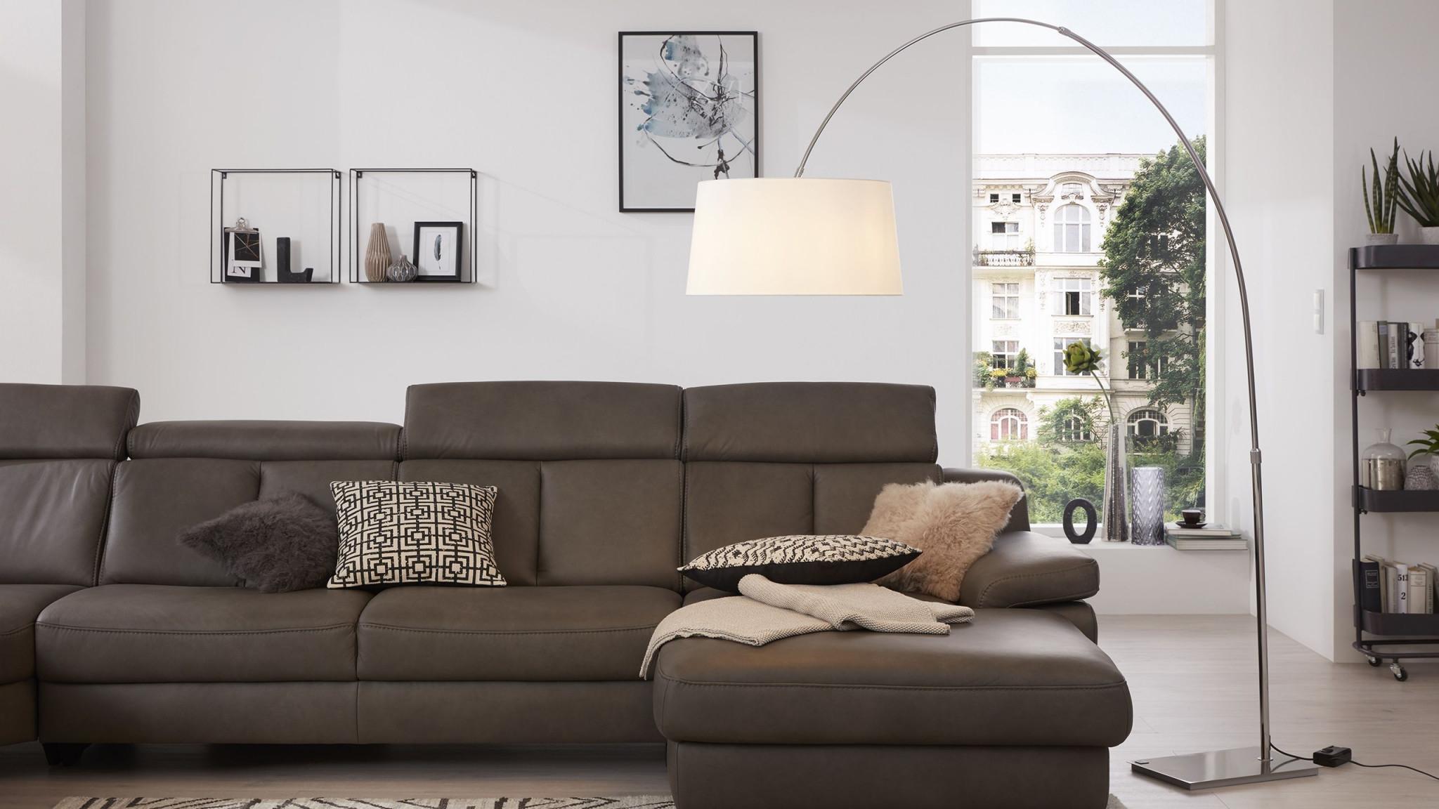 Die Interliving Bogenleuchte Passt Super Über Den Couchtisch von Wohnzimmer Lampe Über Couchtisch Photo