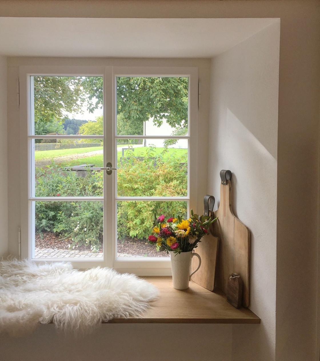 Die Schönsten Ideen Für Die Fensterbank  Fensterbrett Deko von Fensterbank Gestalten Wohnzimmer Bild