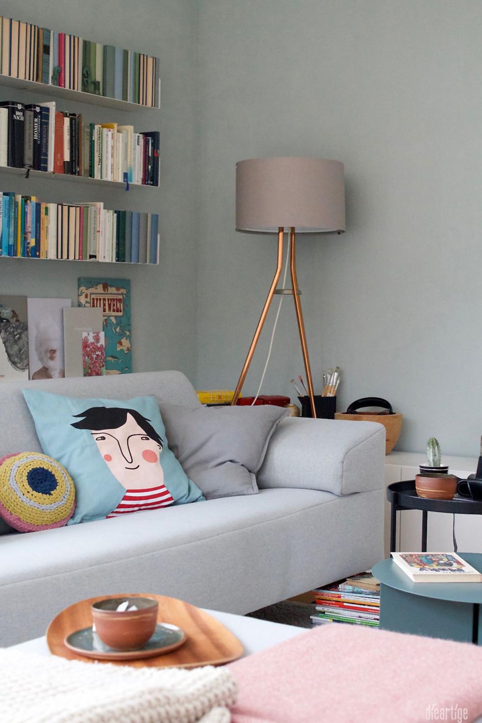 Dieartigeblog  Im Wohnzimmer Wird Es Bunt Salbei Hellblau von Deko Hellblau Wohnzimmer Bild
