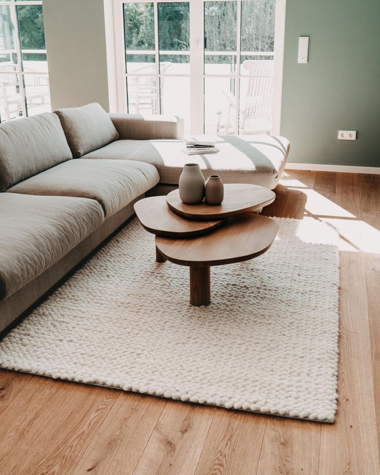 Dreamteam Großes Ecksofa Und Kleiner Teppich In 2020 von Kleiner Teppich Wohnzimmer Bild