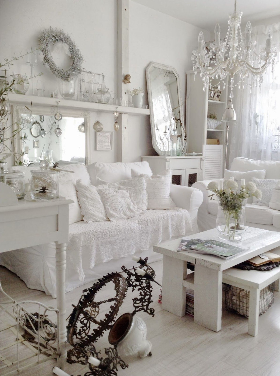 Dreamy Townhouse Little Insight Into Our Living Room  Weiß von Shabby Chic Deko Wohnzimmer Photo