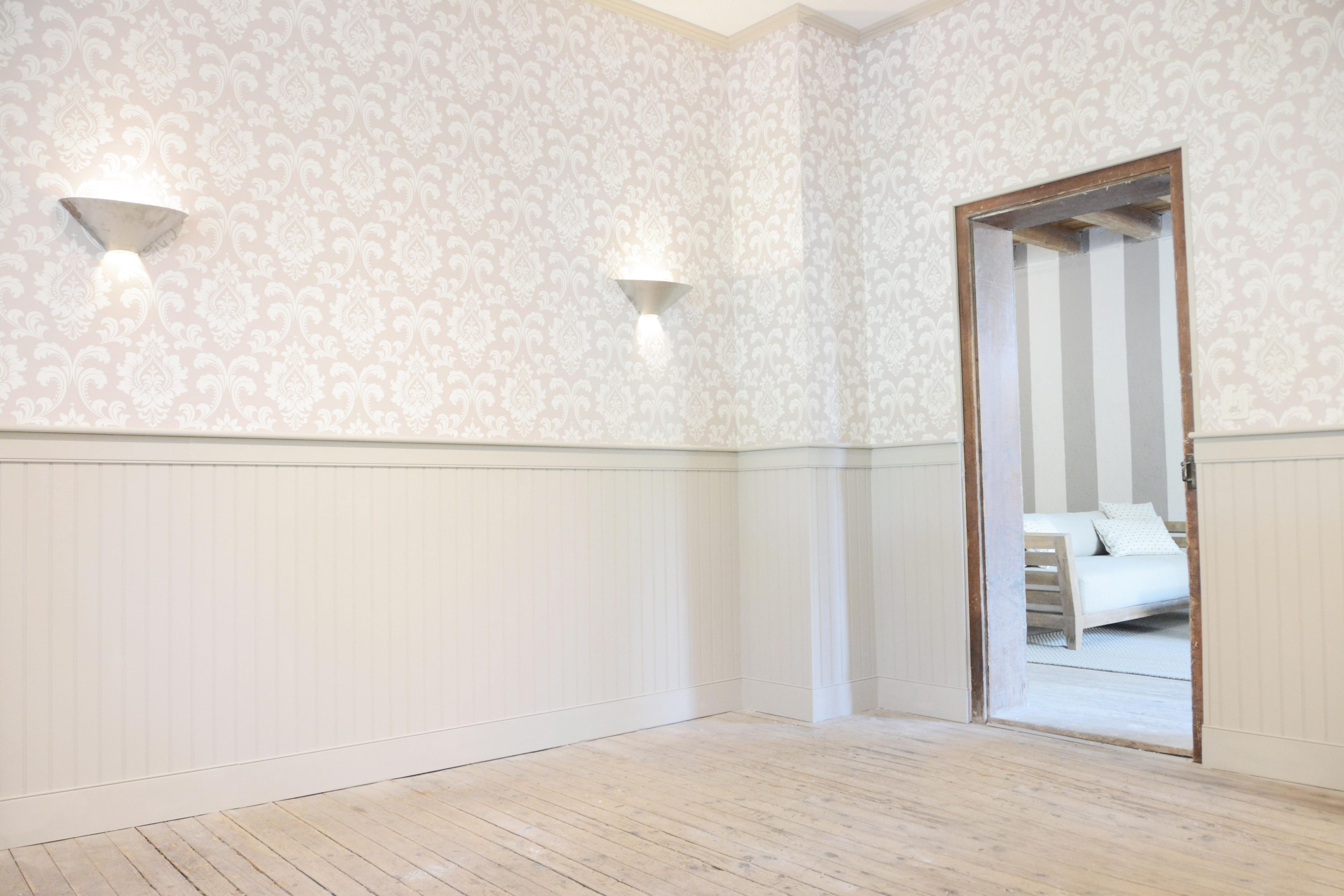 Edler Mix Paneele Und Mustertapete ♥️  Landhausstil von Tapeten Landhausstil Wohnzimmer Bild
