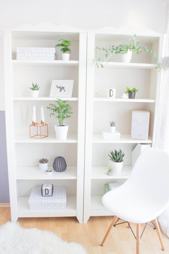 Ein Regal Voller Pflanzen (Mit Bildern)  Bücherregal Diy von Deko Für Regal Im Wohnzimmer Photo