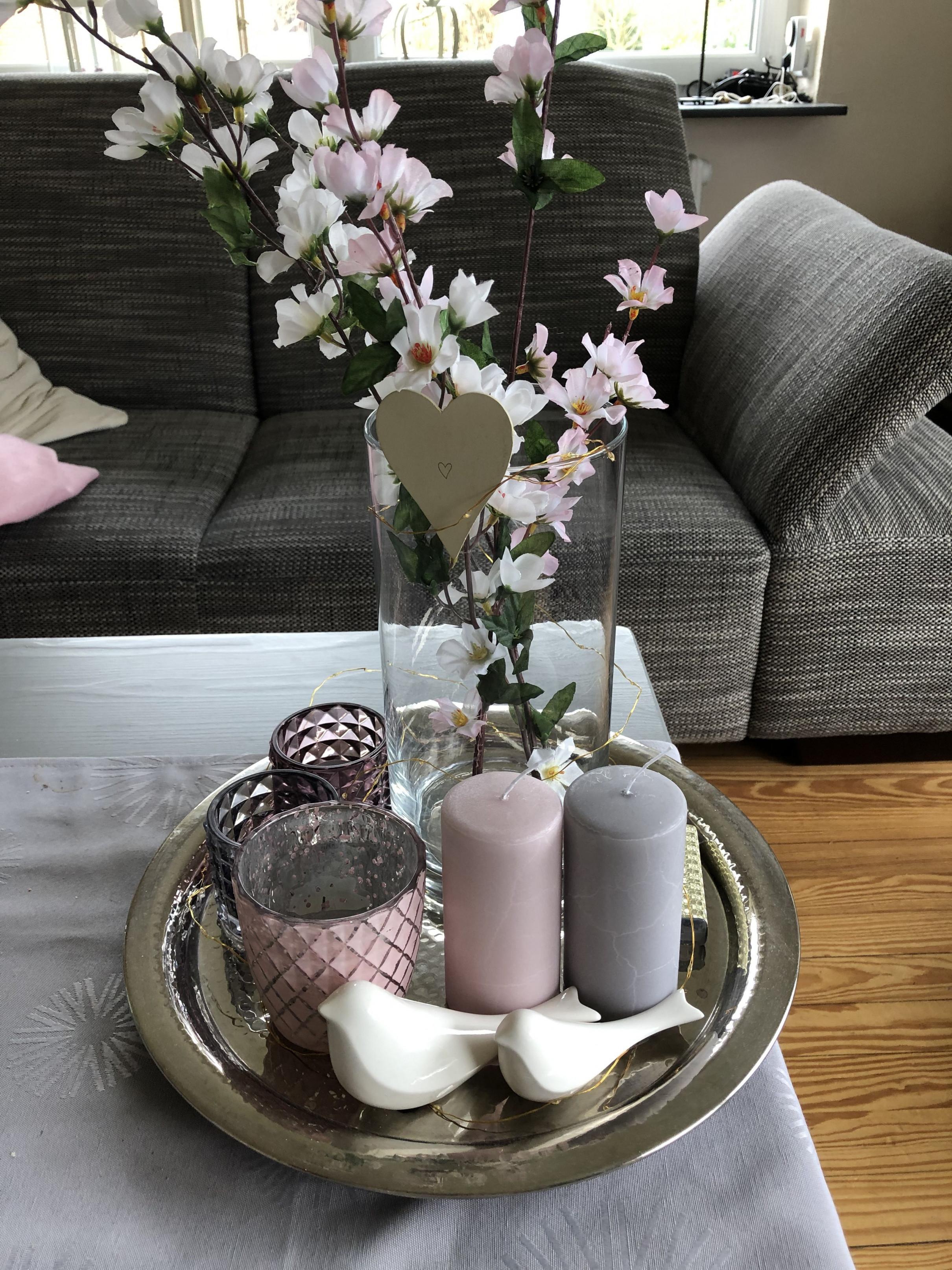 Frühling Deko Tisch Frühlingsdeko Tischdeko Kerzen Spring von Deko Für Tisch Wohnzimmer Photo