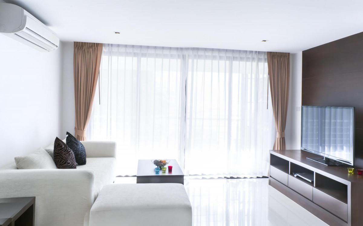 Gardinen Im Wohnzimmer  Heimhelden von Gardinen Weiß Wohnzimmer Bild