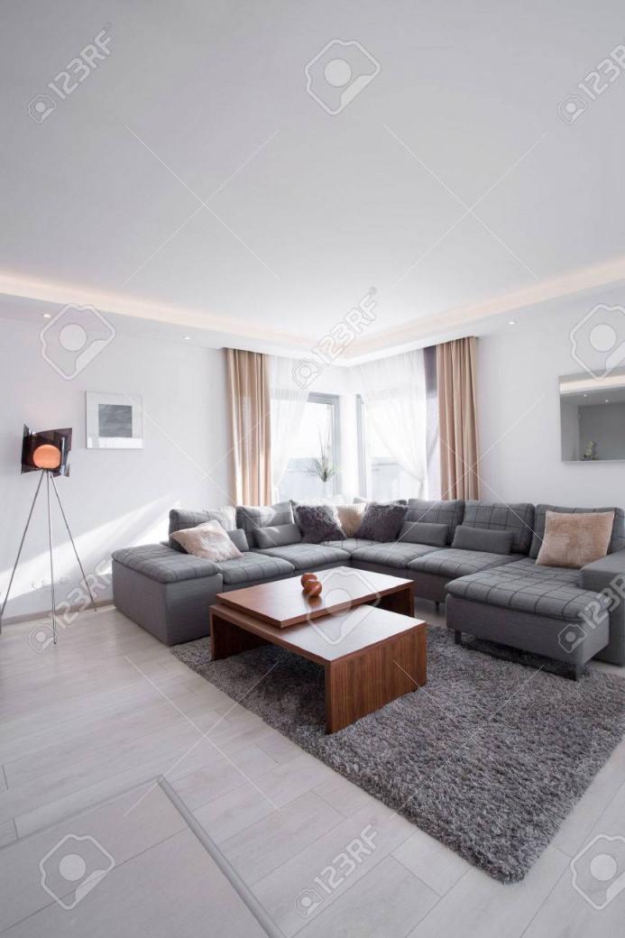 Gemütliche Und Moderne Wohnzimmer Im Haus von Moderne Bilder Für Wohnzimmer Bild