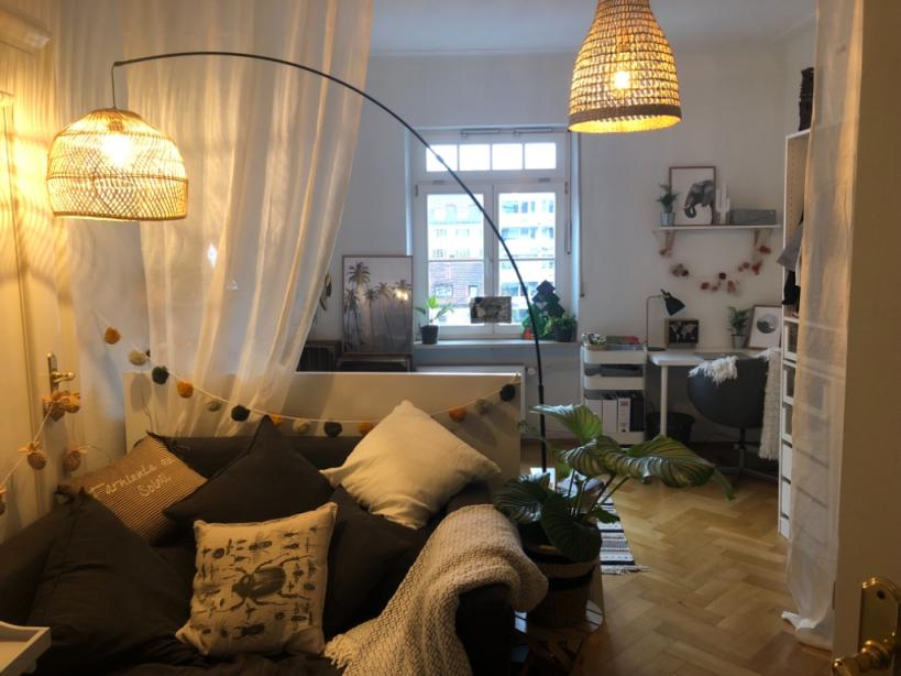 Gemütliches Schlafzimmer In München  Zimmer Zimmer von Schlafecke Im Wohnzimmer Einrichten Bild