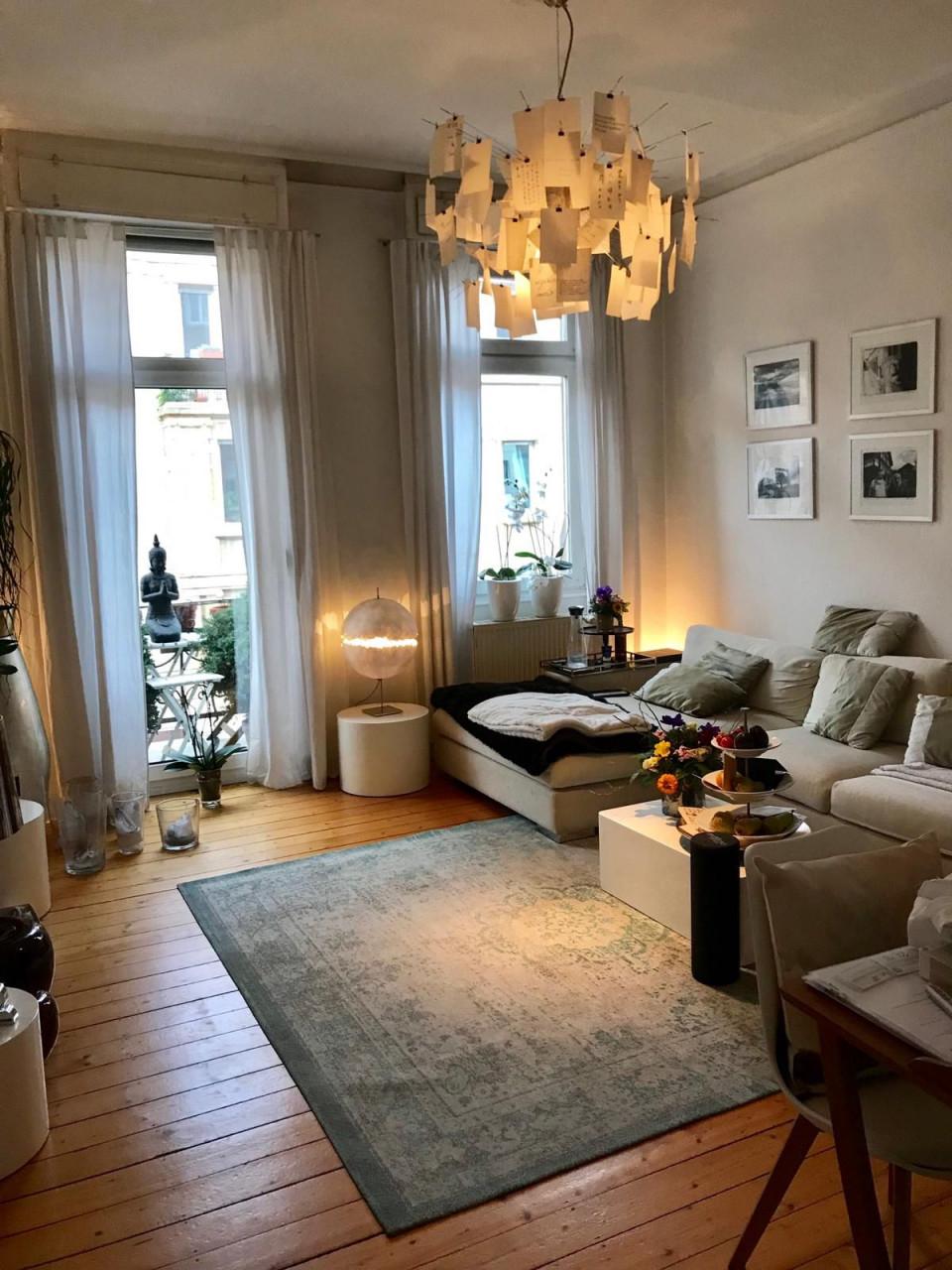 Gemütliches Wgwohnzimmer  Wohnzimmer Einrichten Altbau von Gemütliche Wohnzimmer Lampe Photo