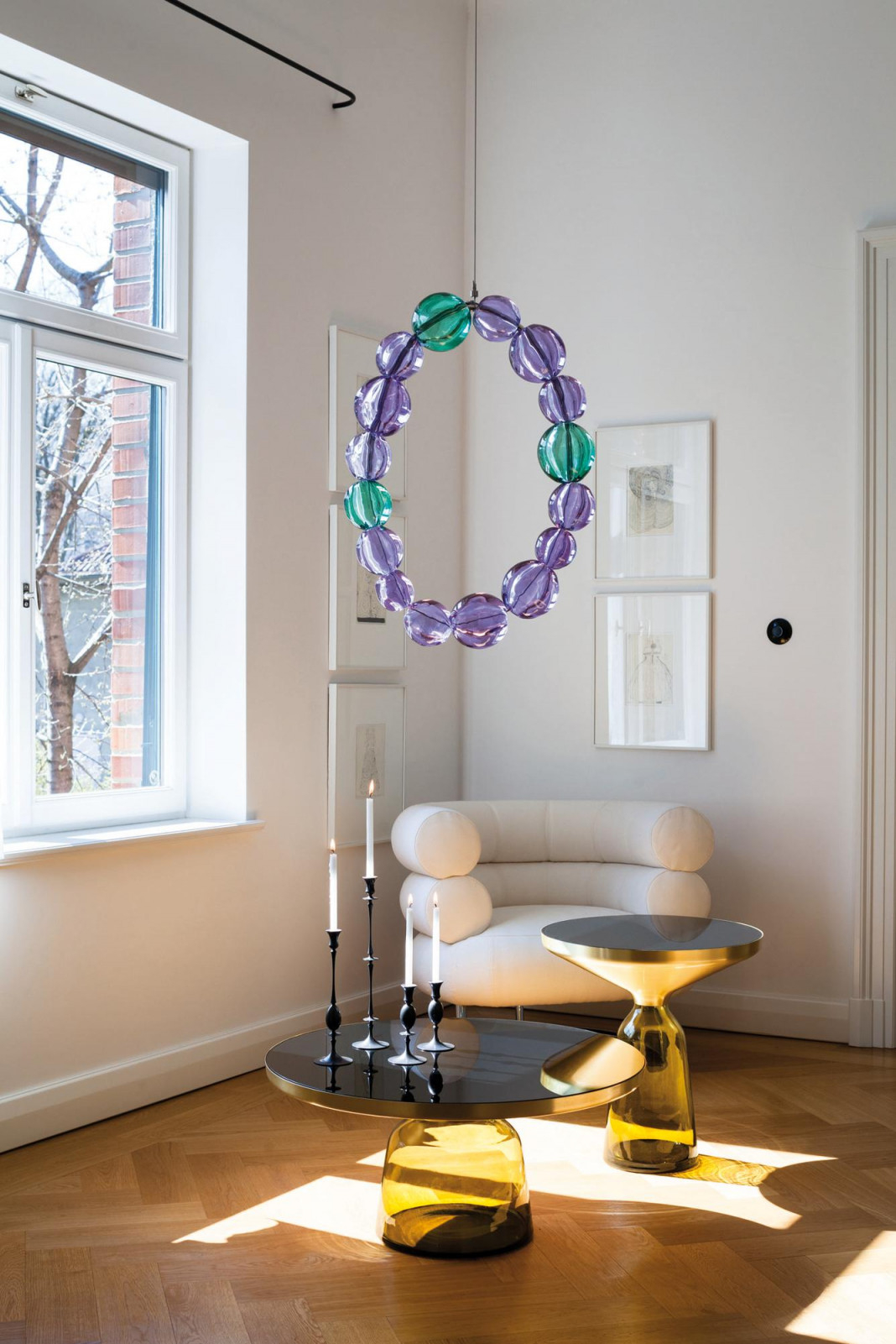 Glastische Und Hängedeko Im Wohnzimmer Couchtisch von Hänge Deko Wohnzimmer Photo