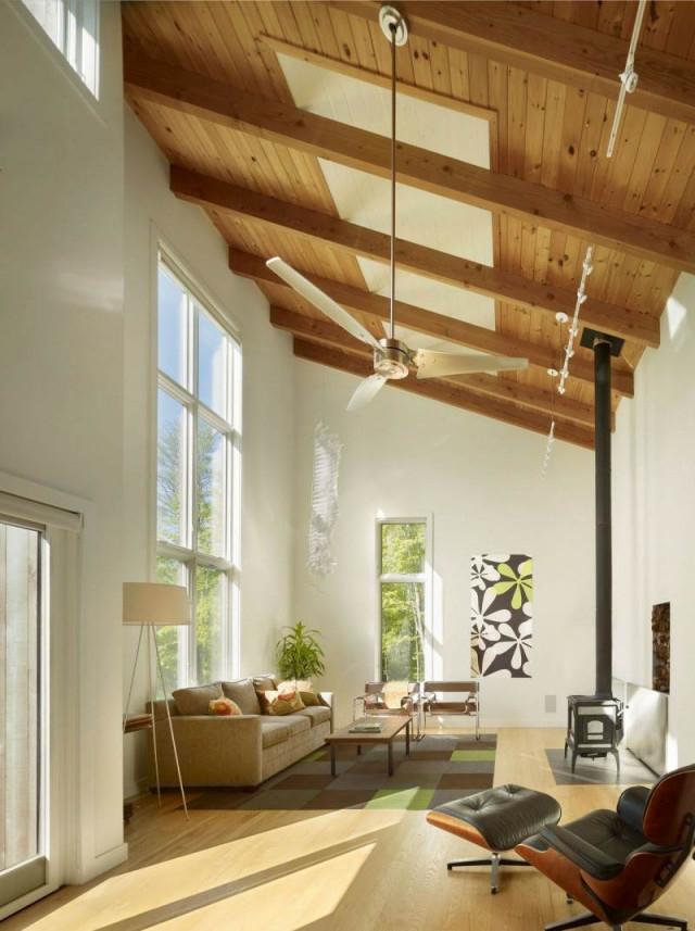 Holzdecke Gestalten  40 Ideen Im Modernen Landhausstil von Wohnzimmer Mit Balken Einrichten Bild