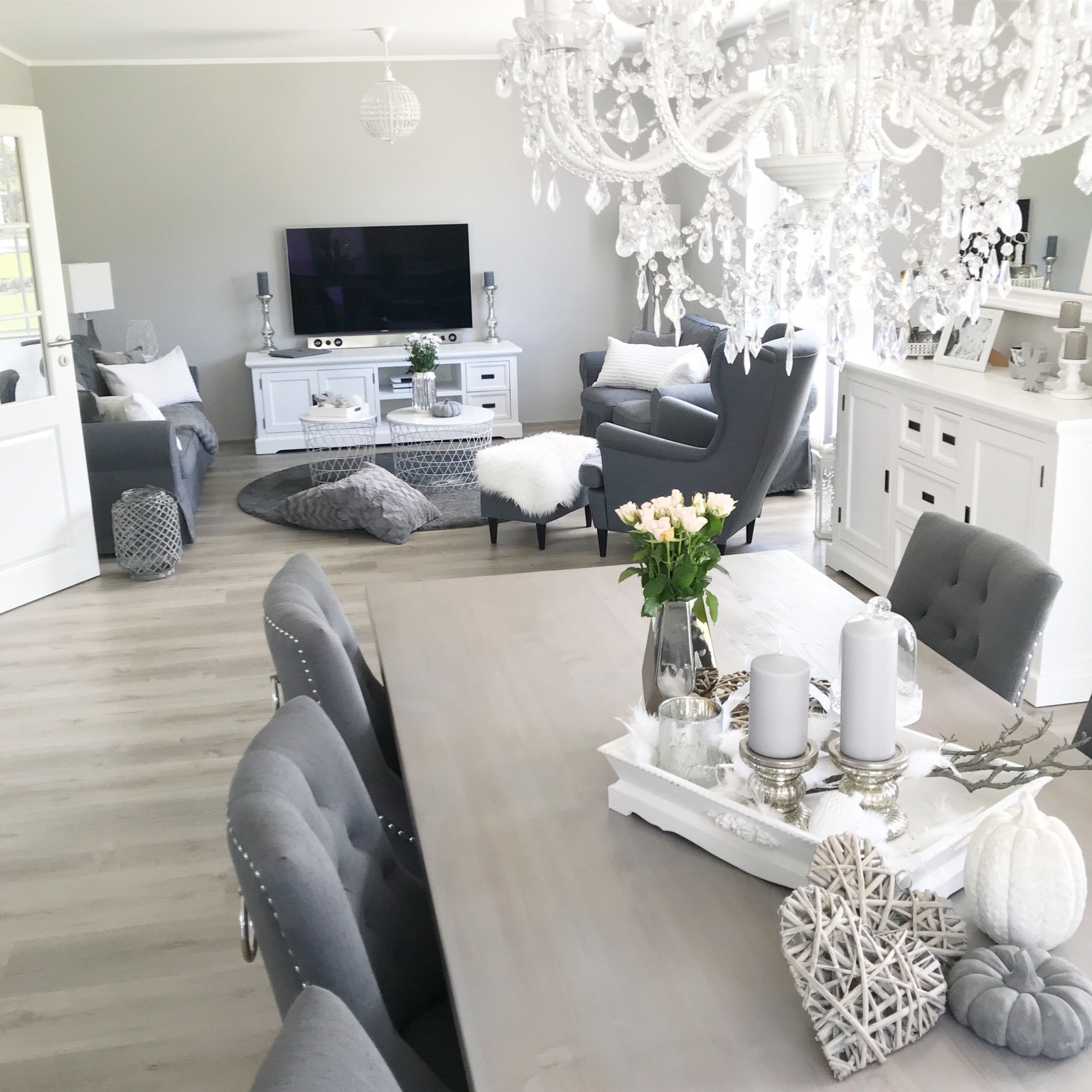 Instagram Wohnemotion Landhaus Esszimmer Diningroom Modern von Wohnzimmer Landhausstil Gestalten Bild