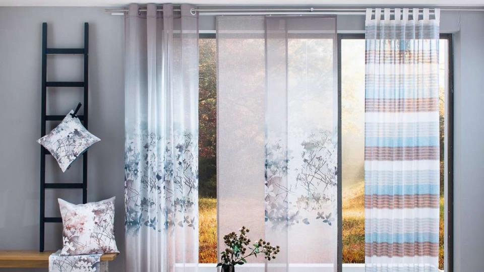 Keine Chance Für Neugierige Blicke Die Richtigen Gardinen von Gardinen Farbe Wohnzimmer Bild