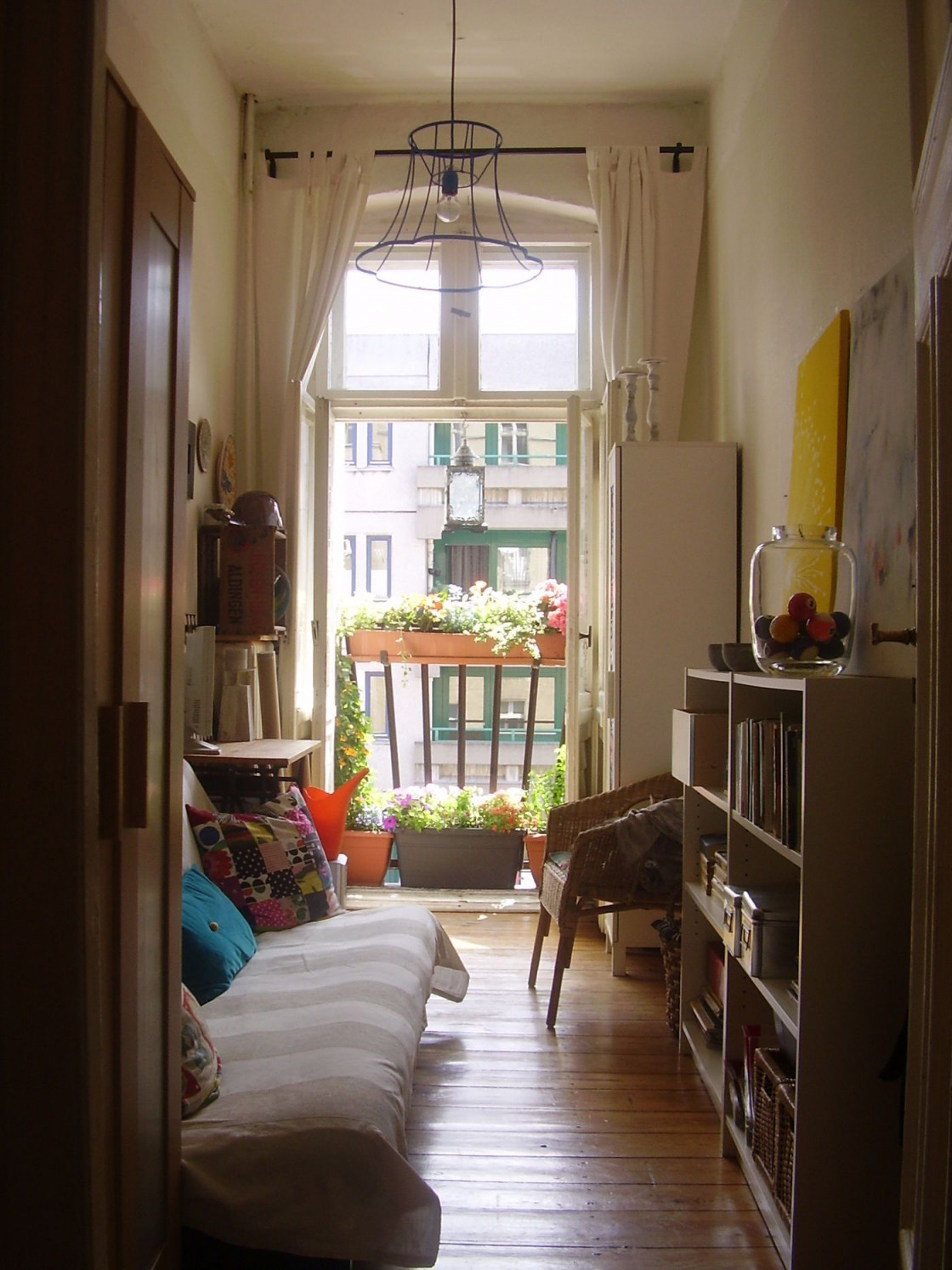 Kombinierter Wohn Schlafraum Ideen  Bilder von Schlafecke Im Wohnzimmer Einrichten Bild