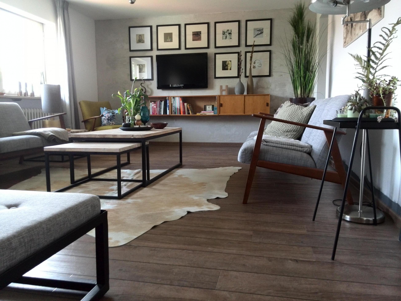 Kuhfell • Bilder  Ideen • Couch von Wohnzimmer Mit Kuhfell Teppich Bild