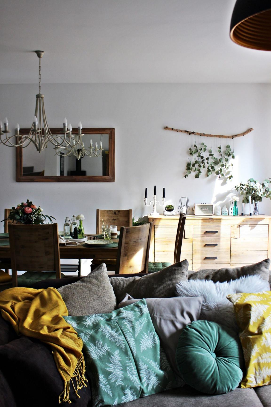 Living  Frühling Im Wohnraum Sonniges Gelb Und Sattes Grün von Wohnzimmer Deko Grün Photo