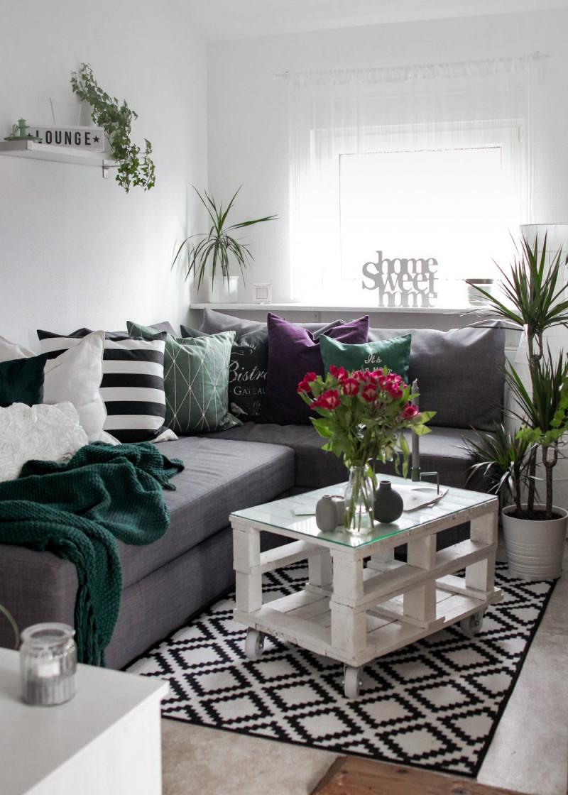 Mein Wohnzimmer Neues Farbkonzept Und Deko  Lavie Deboite von Wohnzimmer Grau Grün Deko Photo
