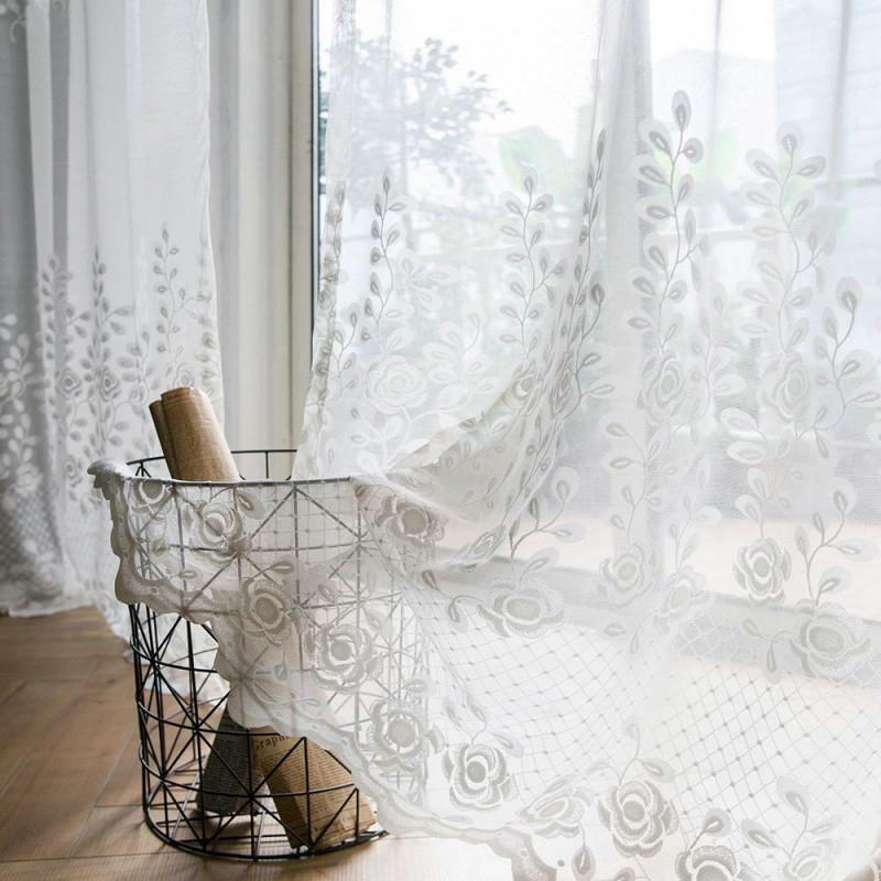 Modern Gardine Rose Design Im Wohnzimmer von Gardinen Wohnzimmer Modern Weiß Photo