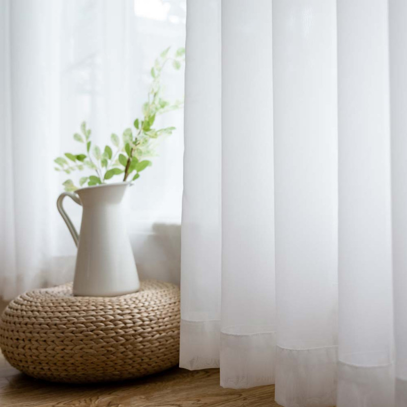 Moderne Gardinen Weiß Aus Chiffon Für Wohnzimmer Transparent von Weiße Gardinen Wohnzimmer Bild