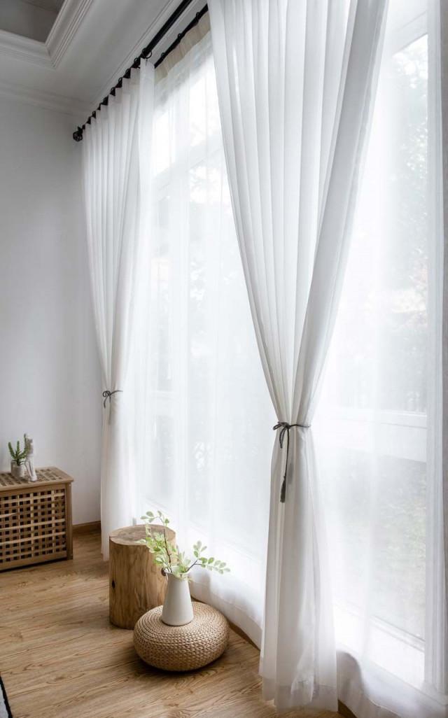 Moderne Gardinen Weiß Aus Chiffon Für Wohnzimmer Transparent von Wohnzimmer Gardinen Weiß Bild