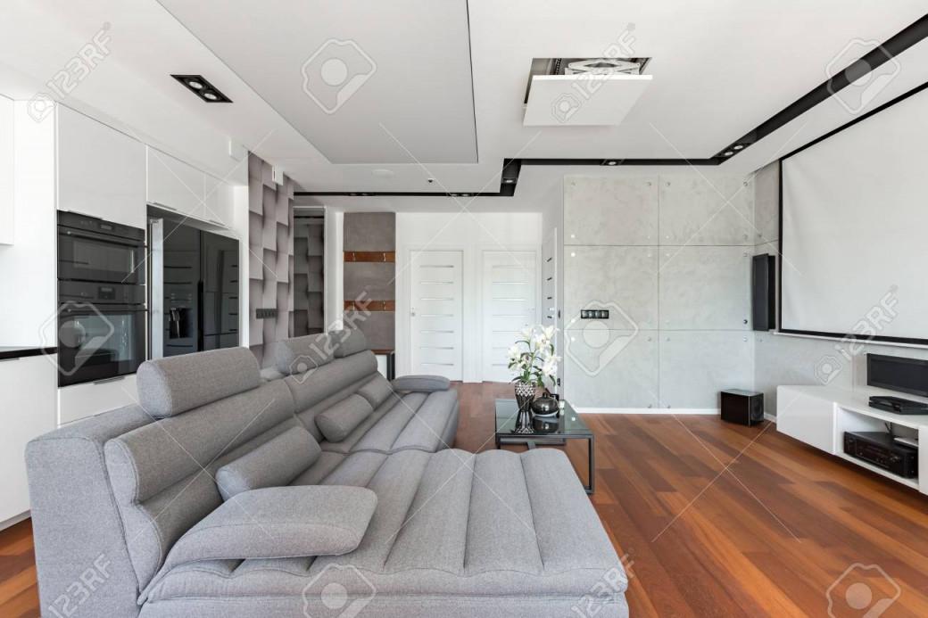 Modernes Wohnzimmer Mit Leinwand Sofa Und Küchenzeile von Wohnzimmer Bilder Leinwand Photo