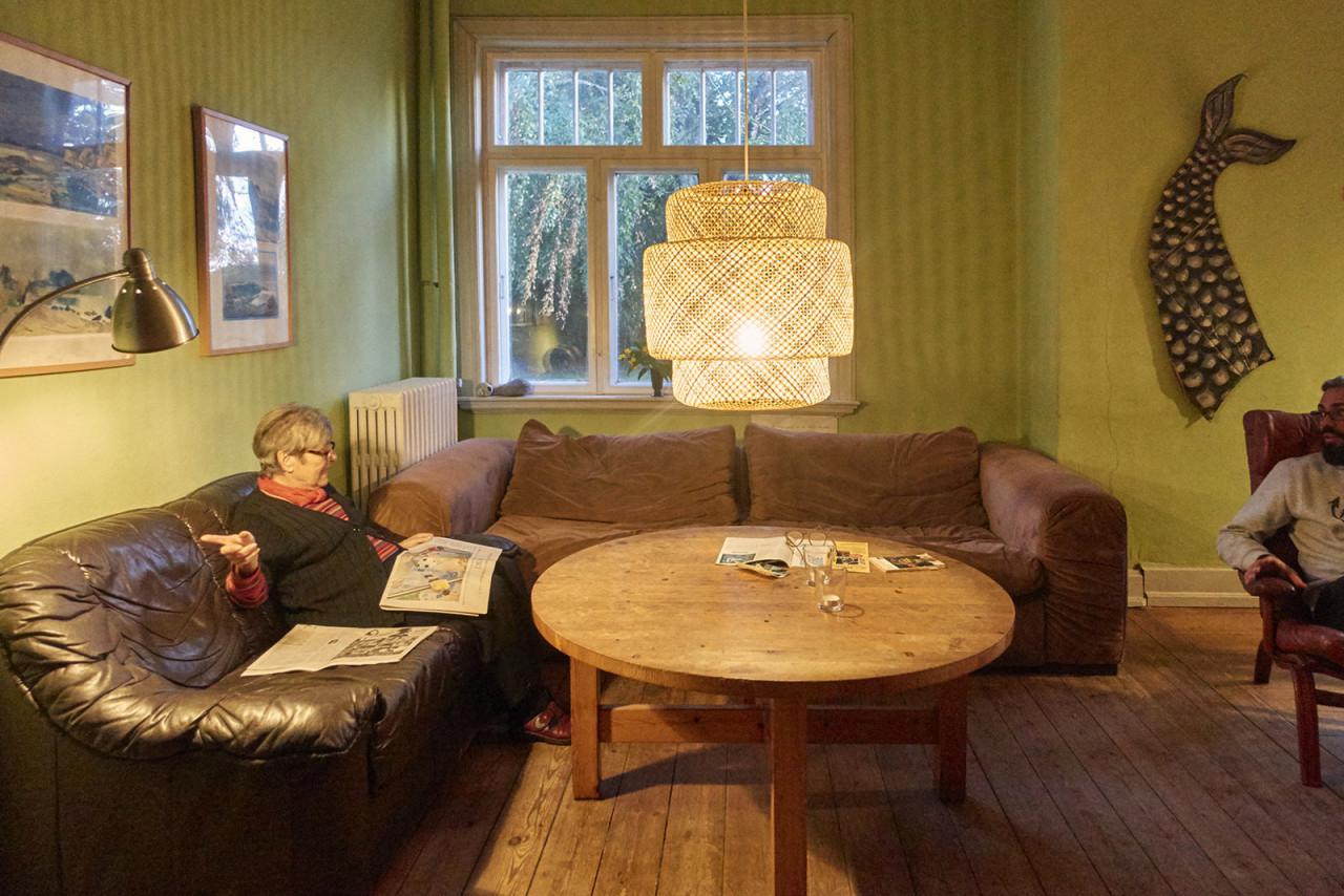 Neue Leuchten Für Das Haus  Blog Falsterhus von Wohnzimmer Lampe Über Couchtisch Bild