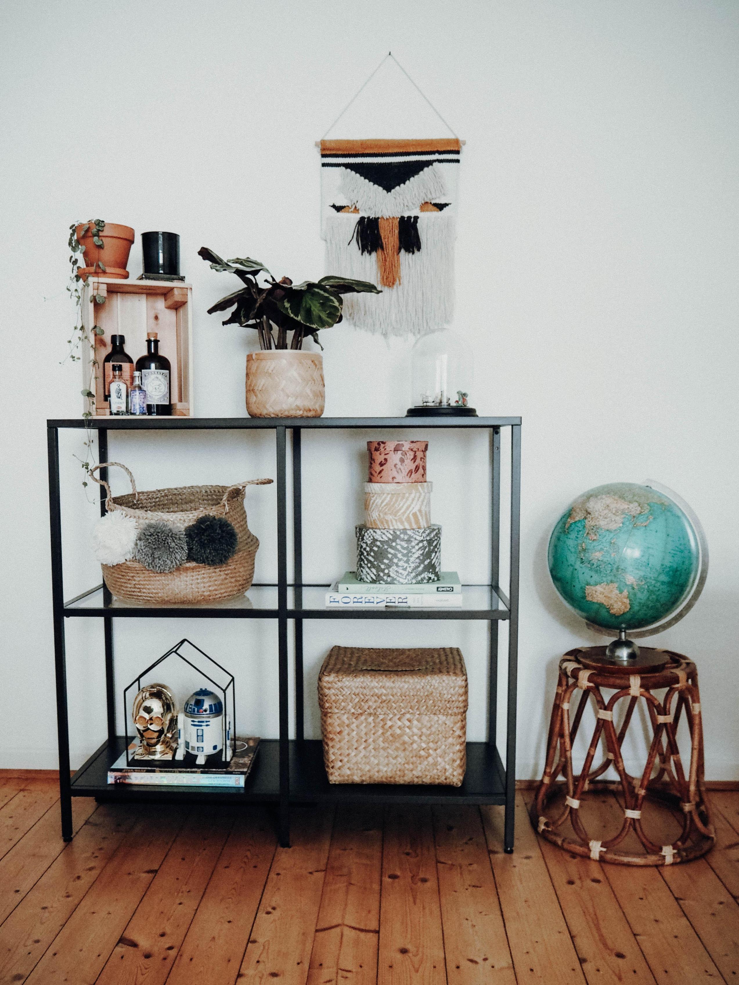 Regaldeko • Bilder  Ideen • Couch von Wandregal Wohnzimmer Deko Photo