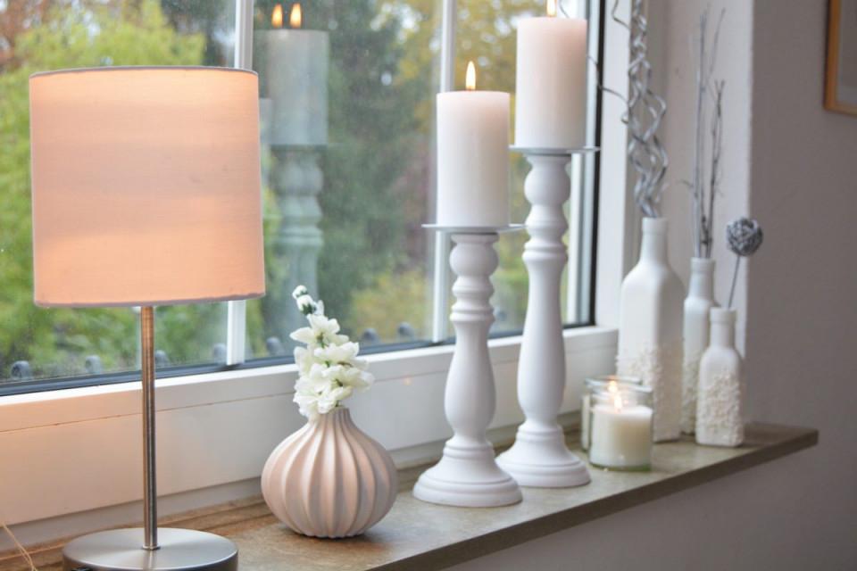 Schöne Aussichten  Fensterdekoration Ohne Gardinen von Deko Wohnzimmer Fensterbank Bild