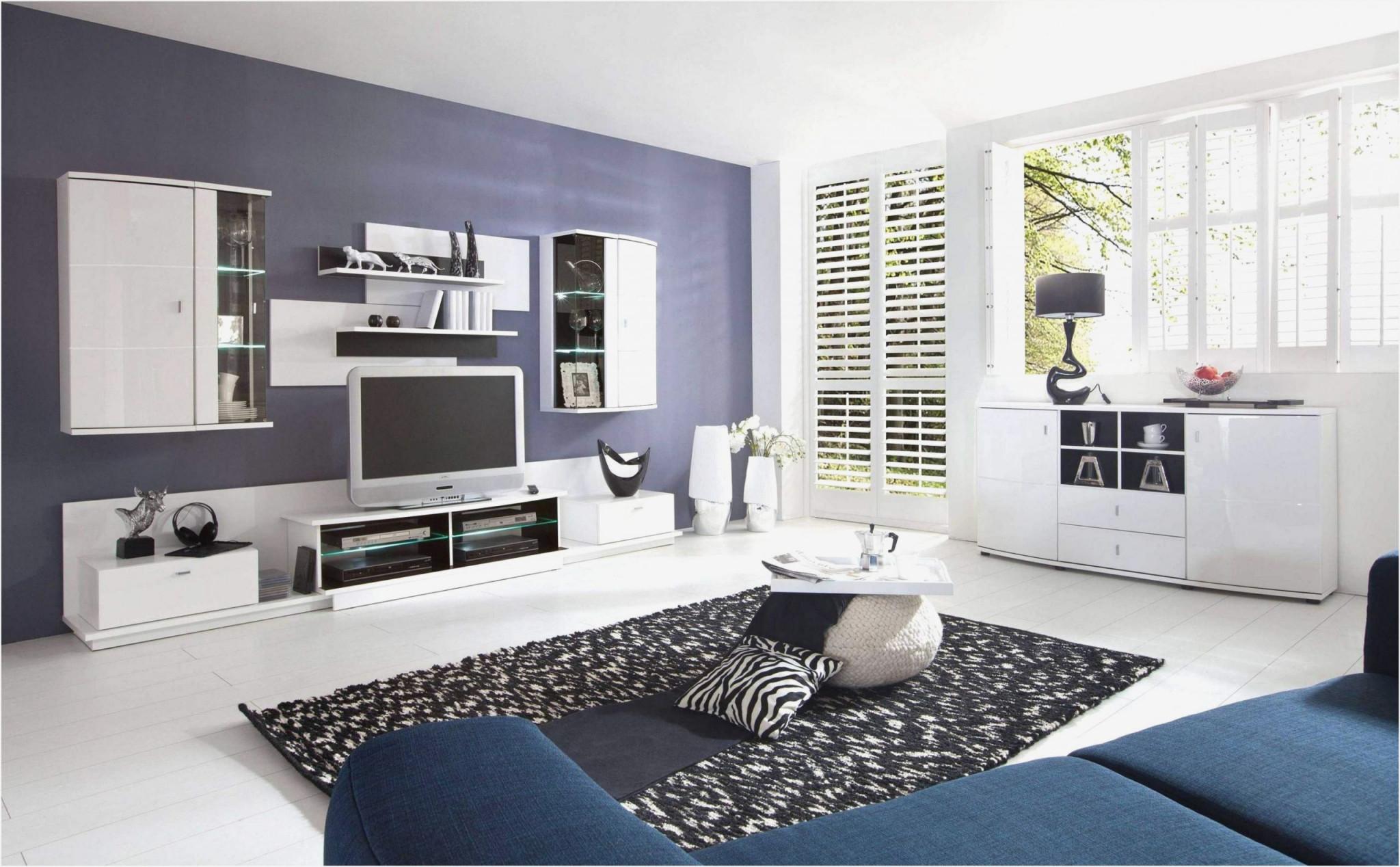 Schöne Deko Ideen Fürs Wohnzimmer Silber Und Braun Wand von Schöne Bilder Für Wohnzimmer Bild