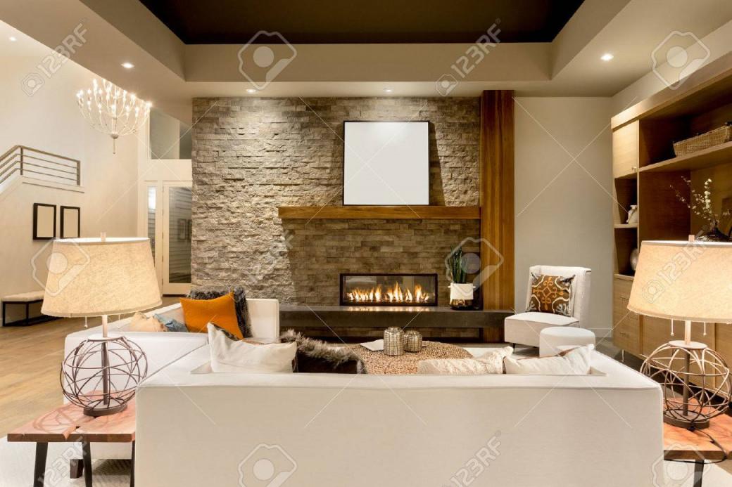Schöne Wohnzimmer Interieur Mit Parkettboden Und Kamin In Neuen Luxushaus von Schöne Bilder Wohnzimmer Photo
