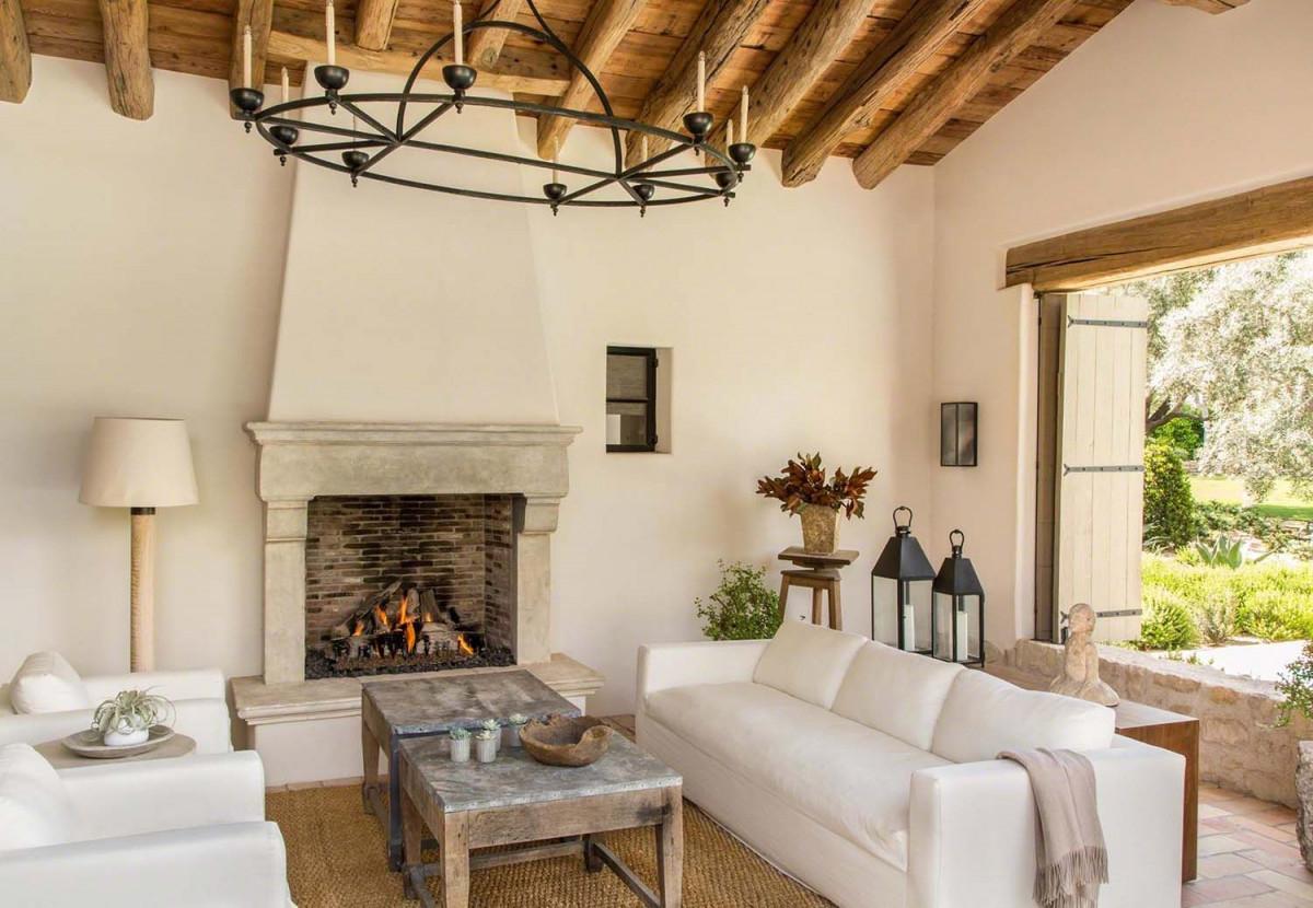 Schönes Traumhaus Im Mediterranen Stil In Paradise Valley von Mediterrane Deko Wohnzimmer Bild