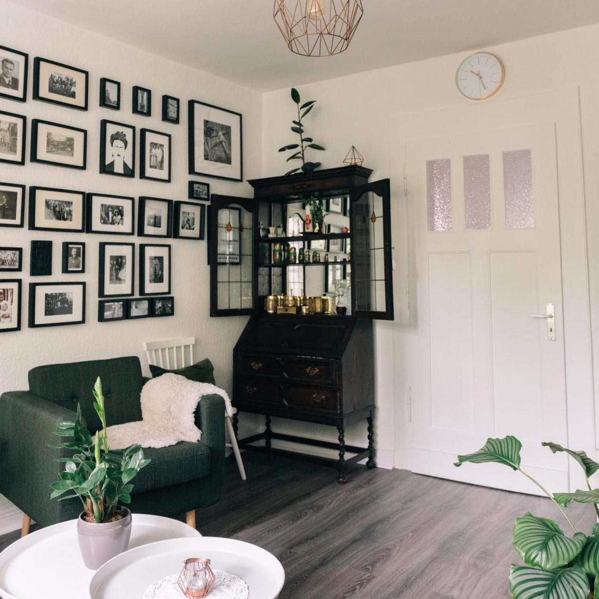 Schwarz Weiß Und Grün Dieses Wohnzimmer Und Vor Allem Die von Bilder Wohnzimmer Schwarz Weiss Photo