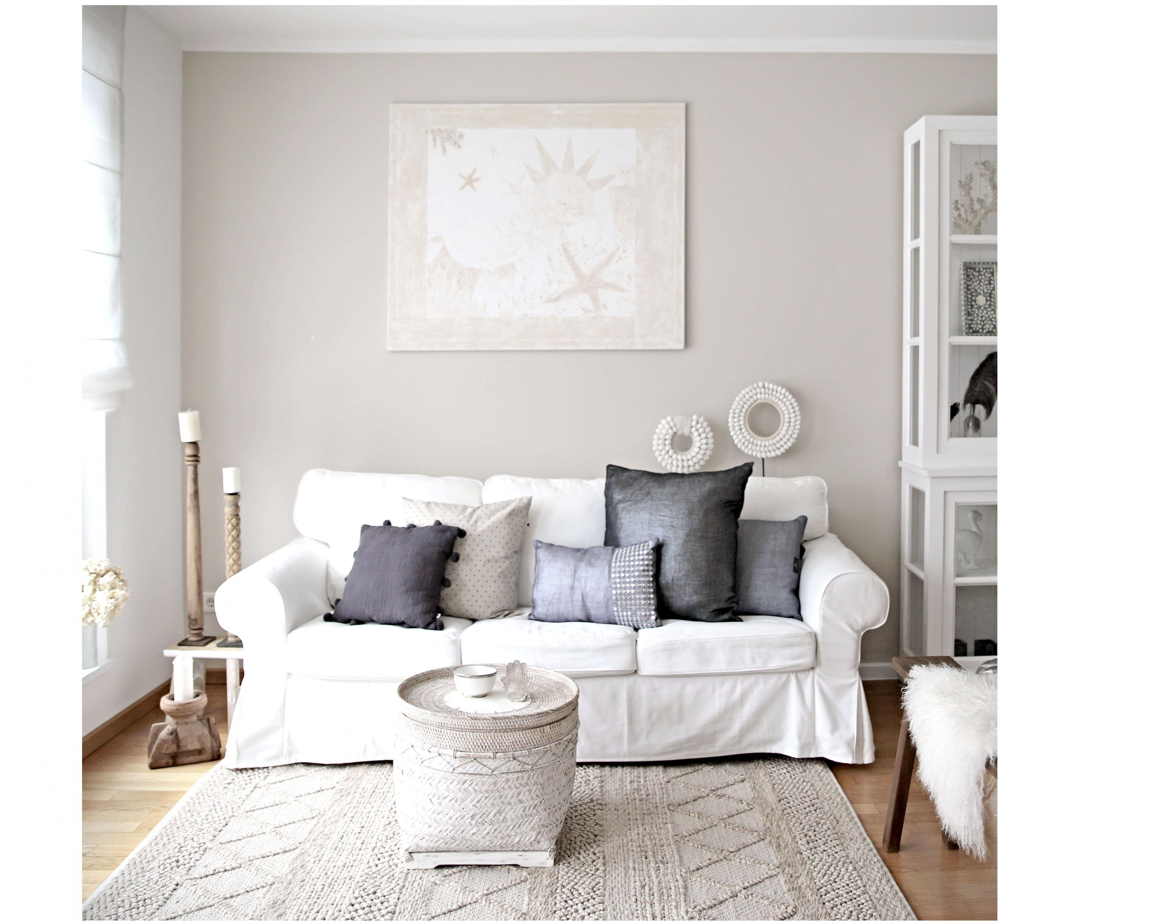 Sofakissen Dekorieren Für Das Schönste Wohnzimmer  Deko Diy von Wohnzimmer Deko Über Couch Bild