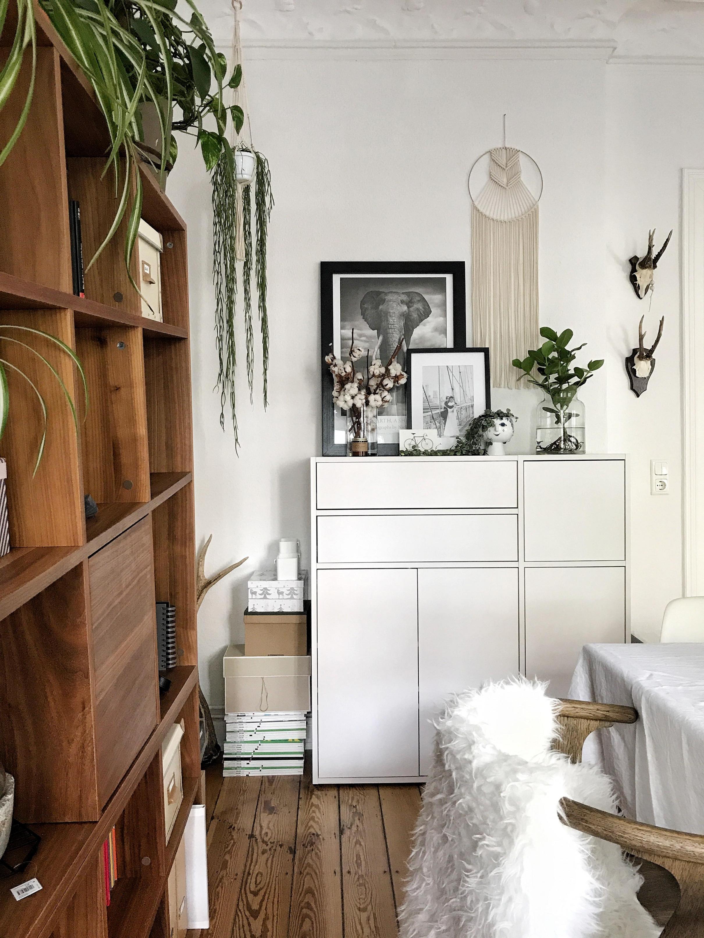 Stauraumideen Tricks Für Mehr Ordnung Bei Couch von Stauraum Ideen Wohnzimmer Bild