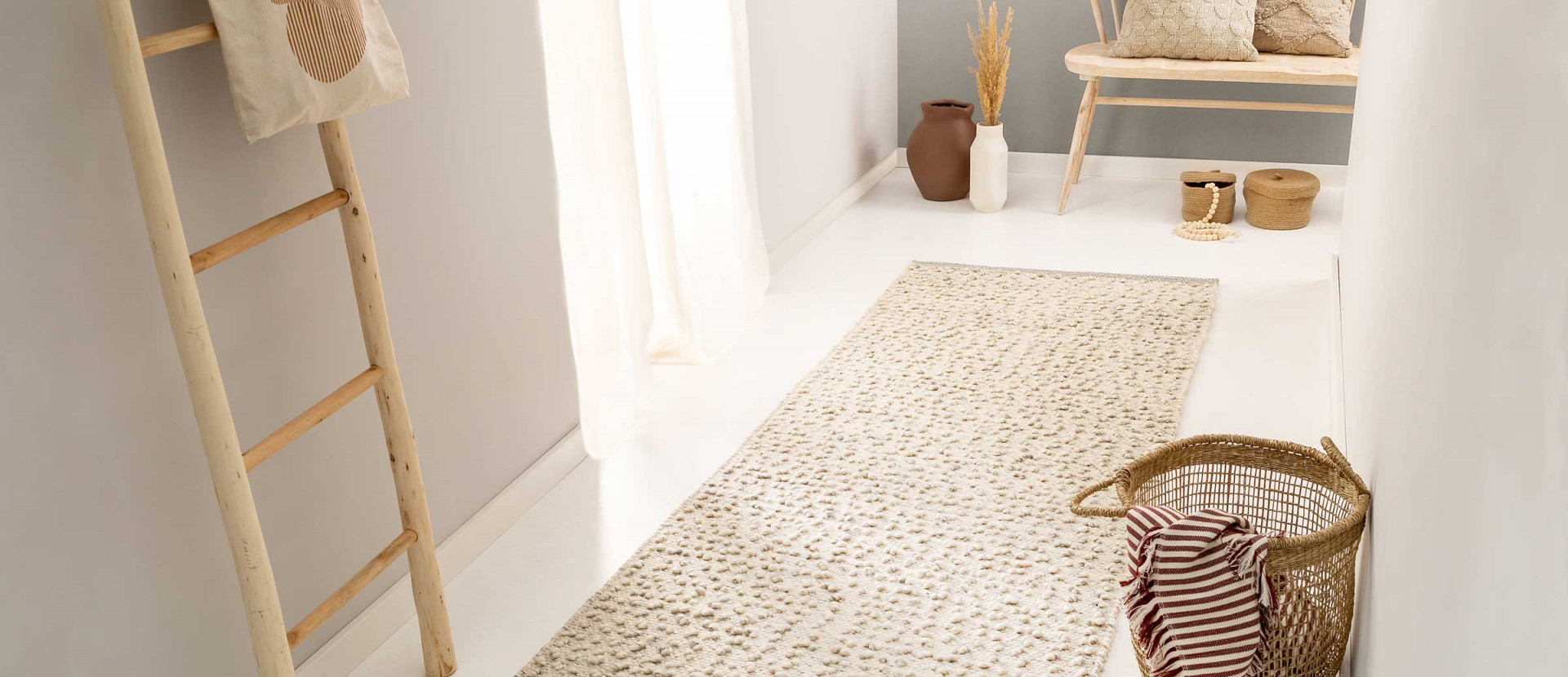 Teppichgröße Bestimmen  Teppich Richtig Platzieren von Kleiner Teppich Wohnzimmer Bild