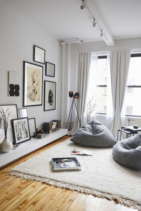 This Couple's Insanely Chic Apartment Is Also Their von Sitzecke Wohnzimmer Ideen Bild
