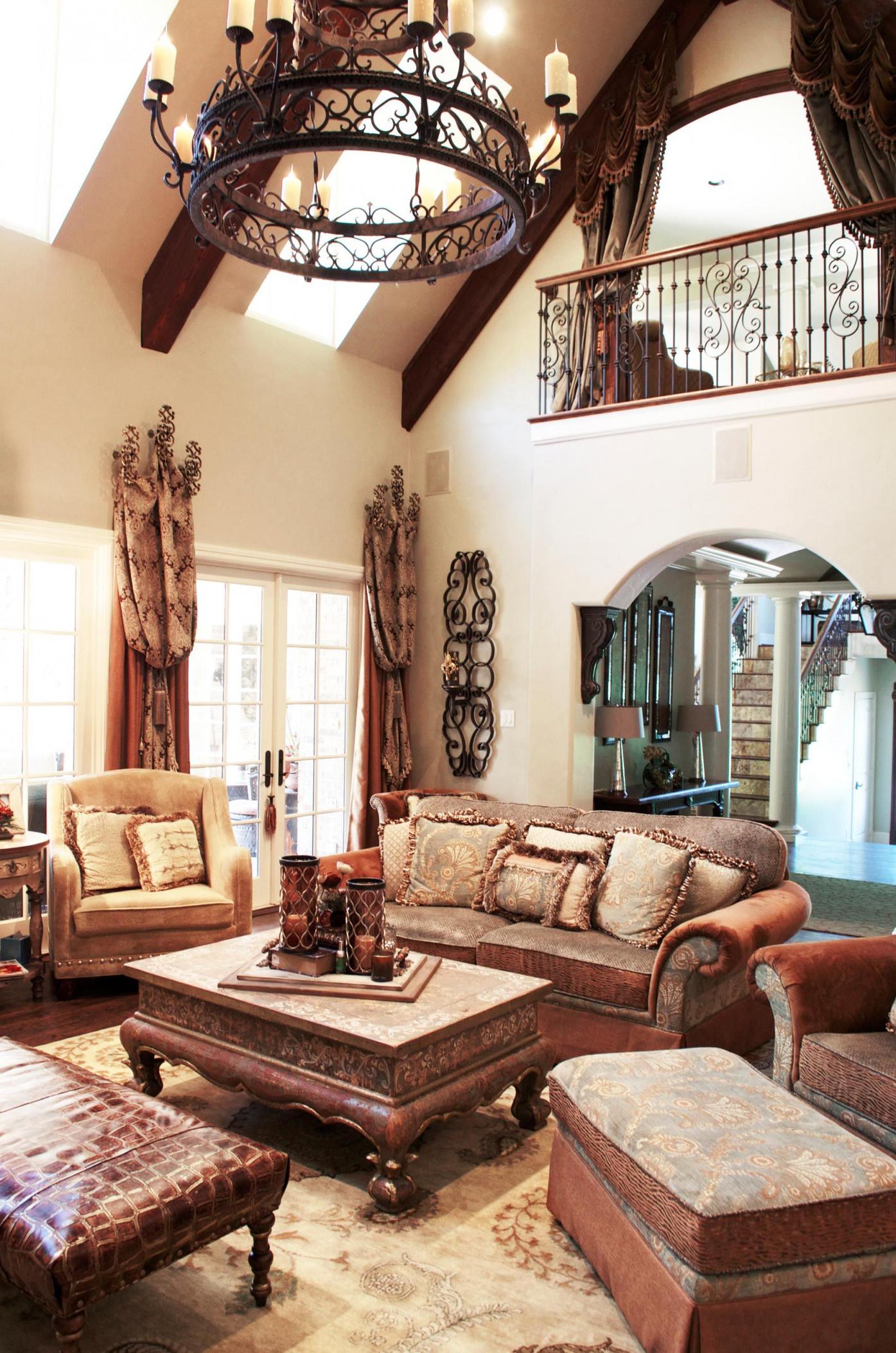 Tuscan Living Room With Old World Charm  Wohnzimmer Design von Mediterrane Deko Wohnzimmer Bild