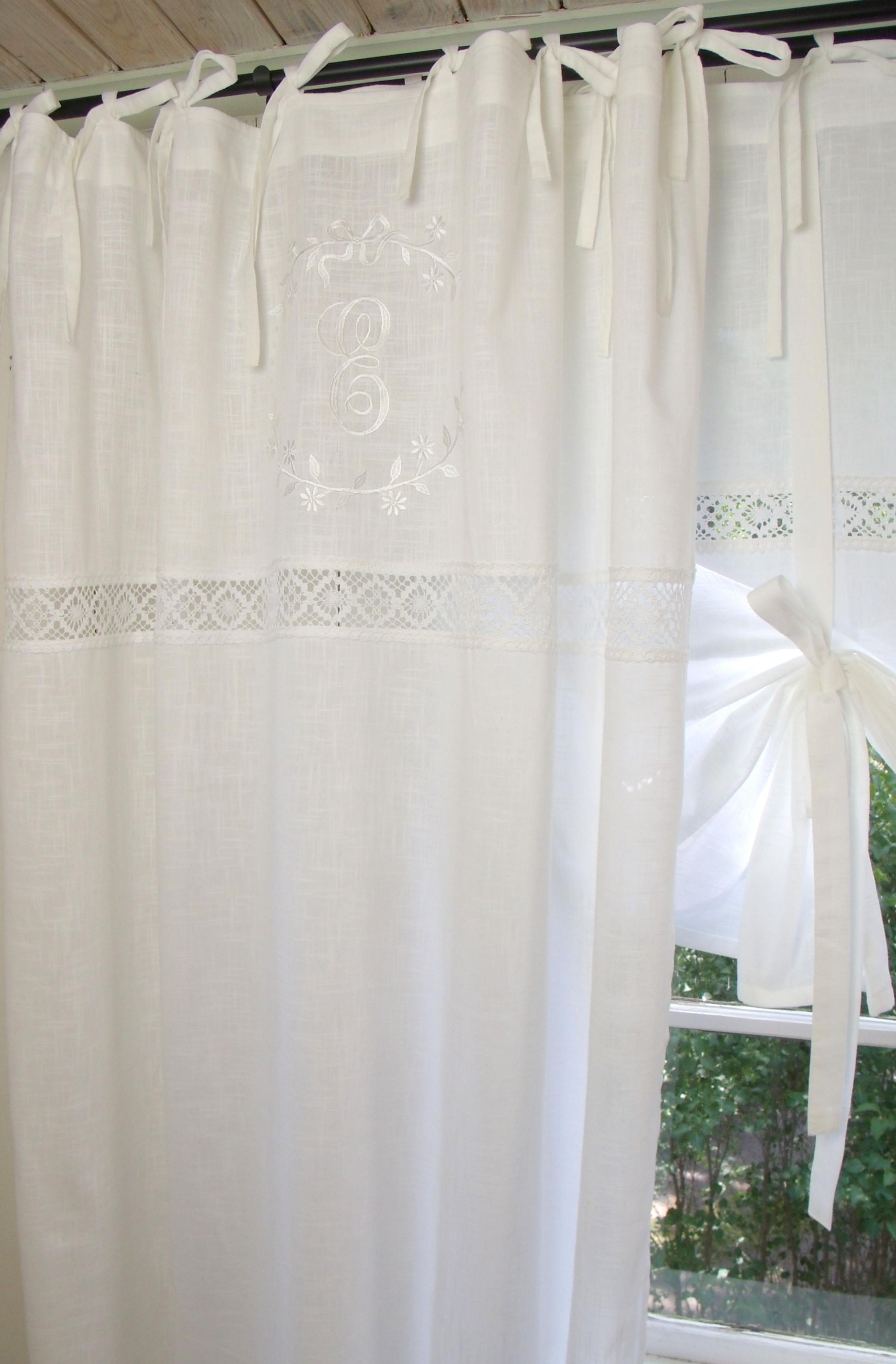 Vorhang Emilia Weiß Gardine 140X300 Cm 2 Stück  Vorhänge von Romantische Gardinen Wohnzimmer Bild