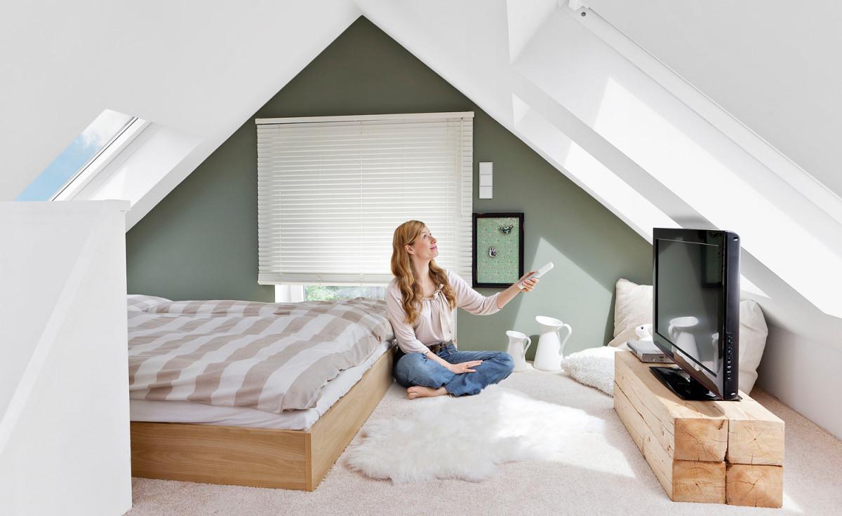 Wohnung Mit Dachschräge Chic Einrichten  Raumideen von Wohnzimmer Dachschräge Einrichten Bild