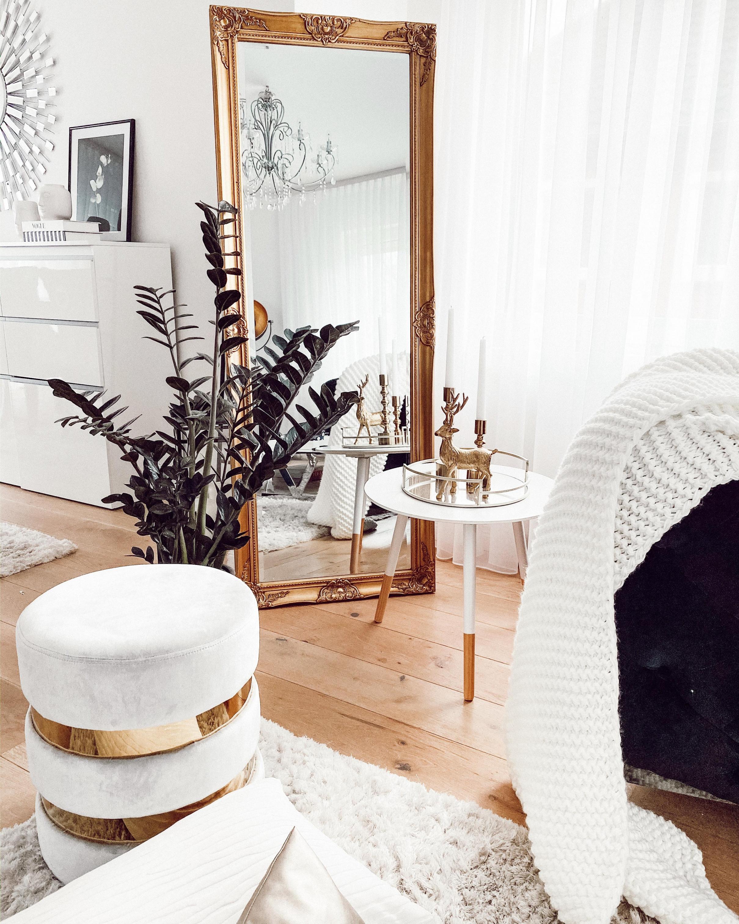 Wohnzimmer Dekoideen Gold Details Interieur • C von Wohnzimmer Deko Gold Photo