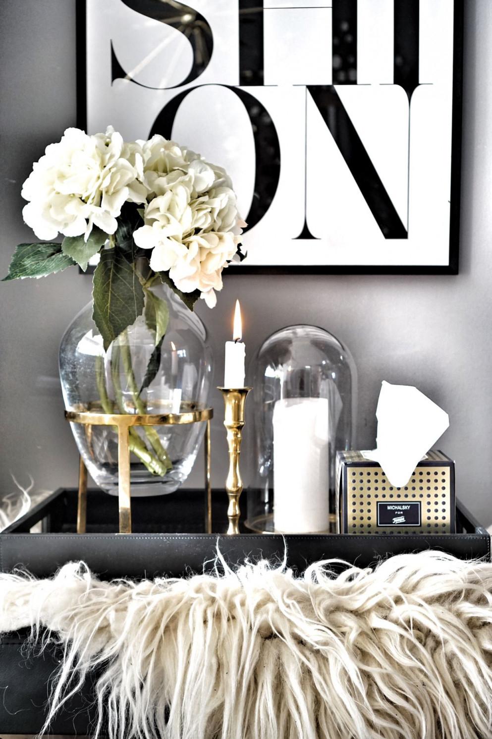 Wohnzimmer Details Tablett Vase(Werbung)  Wohnzimmer von Wohnzimmer Schwarz Weiß Einrichten Bild