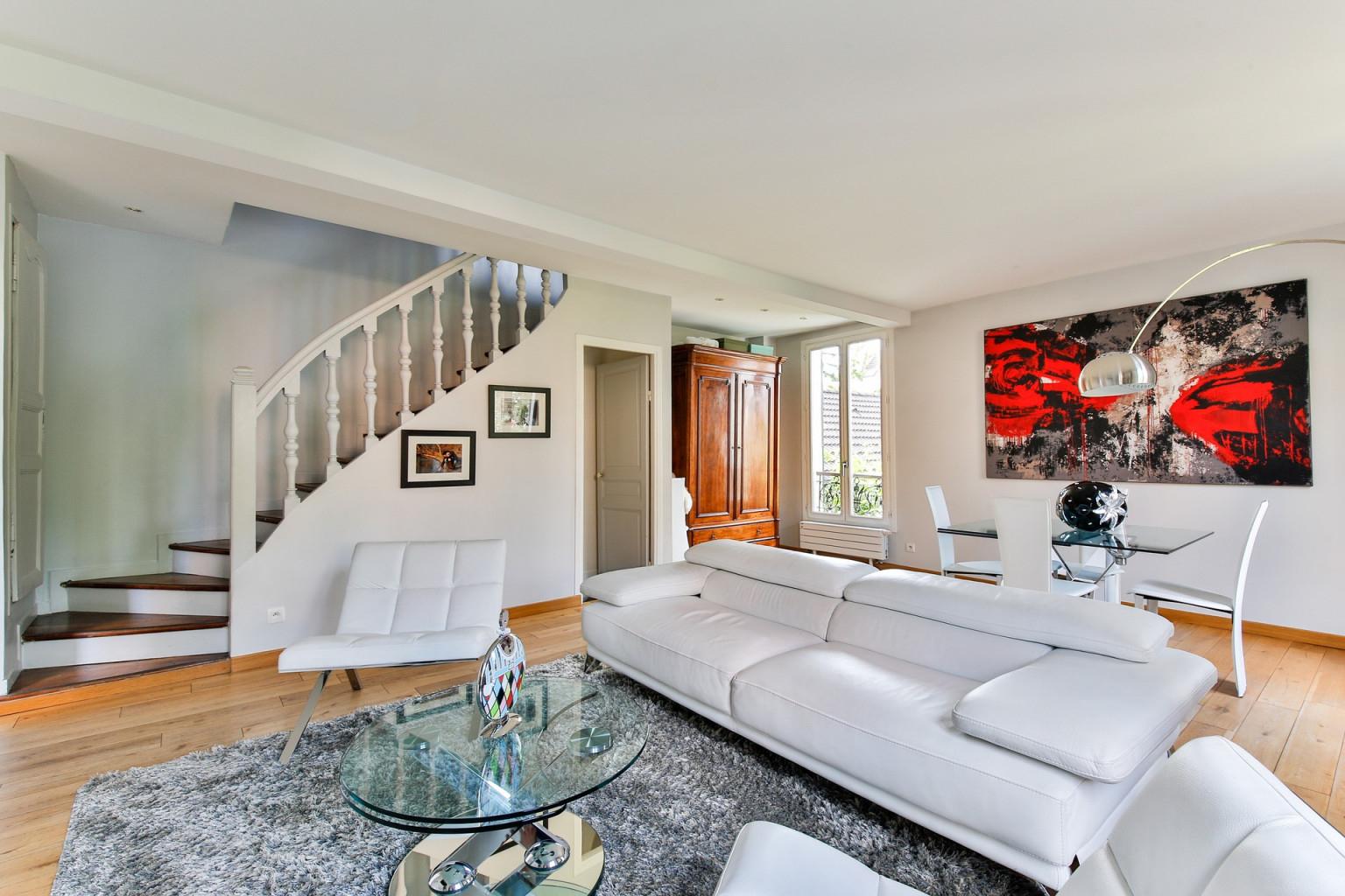 Wohnzimmer Einrichten Dieser Ort Sollte Für Ihr Sofa Tabu von Wohnzimmer Länglich Einrichten Bild
