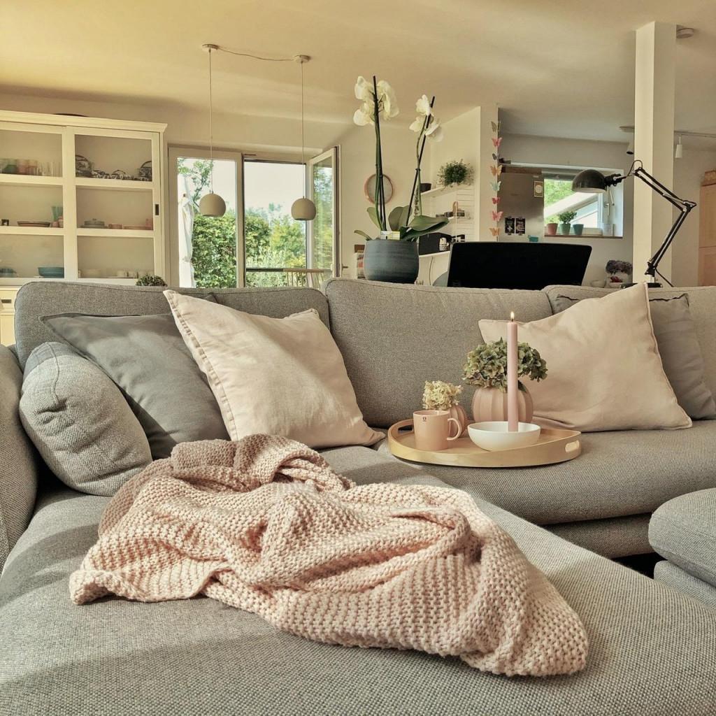 Wohnzimmer  Ideen Und Bilder Bei Couch von Einrichtung Wohnzimmer Ideen Photo