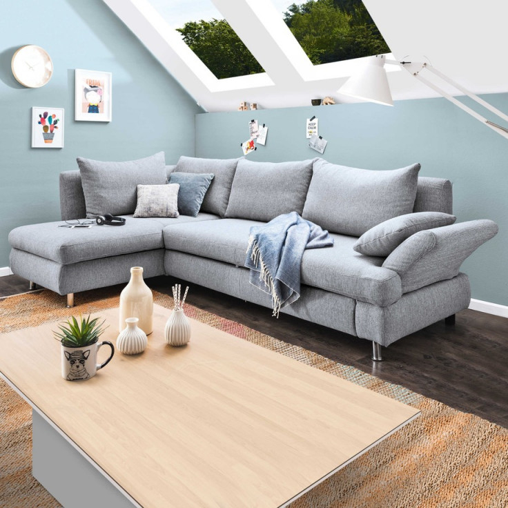 Wohnzimmer Mit Dachschräge So Wird Es Hell Praktisch Und von Kleines Wohnzimmer Mit Dachschräge Einrichten Bild