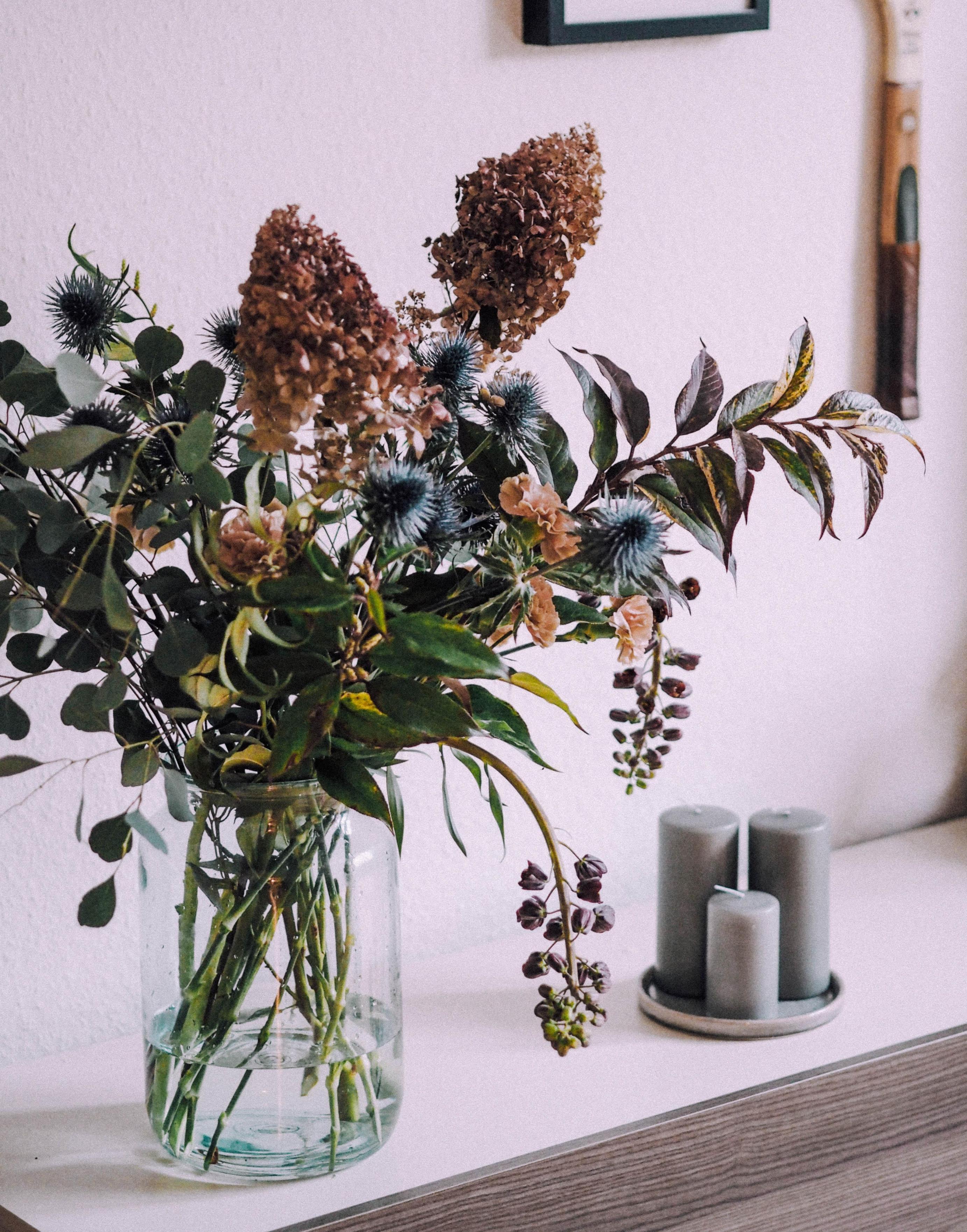 Wohnzimmerdekoideen Mach Es Dir Gemütlich von Blumen Deko Wohnzimmer Photo